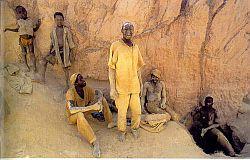 Het werk in de goudmijn